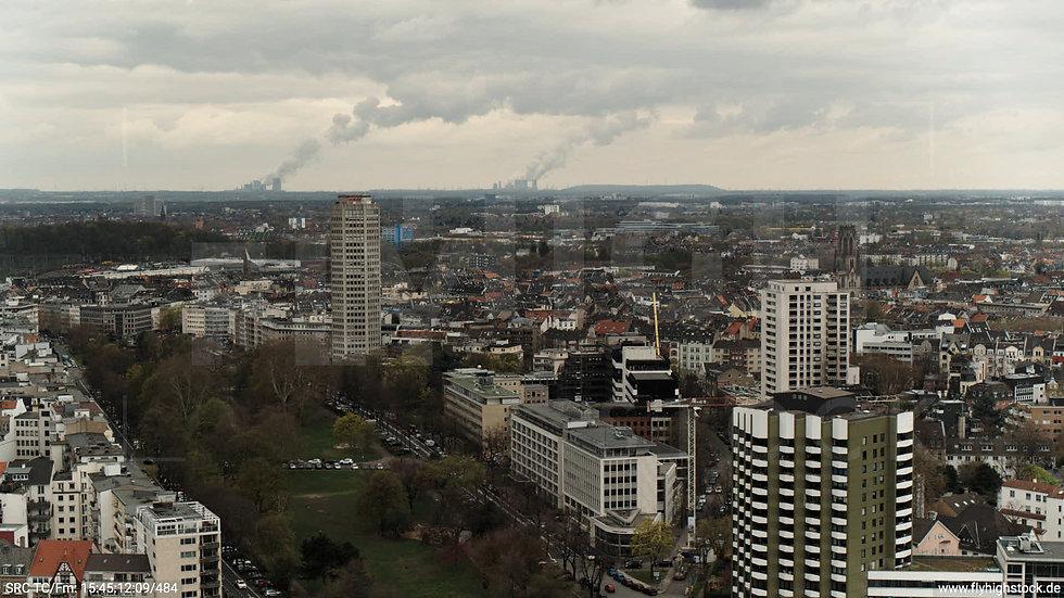 Köln Westufer Skyline Hub tagsüber
