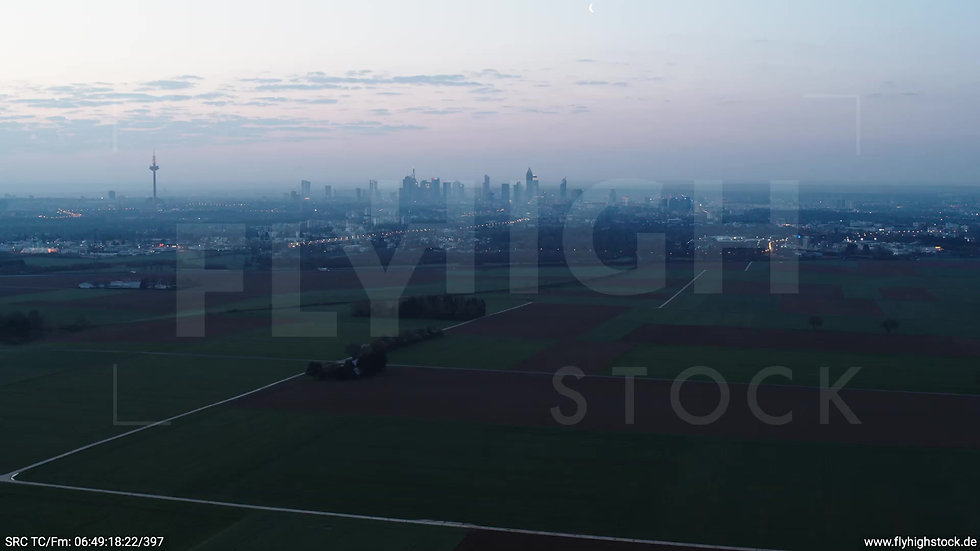 Frankfurt Skyline Rückflug morgens 5