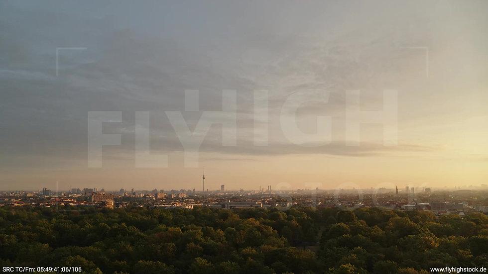 Berlin Hasenheide Skyline Zuflug morgens 8