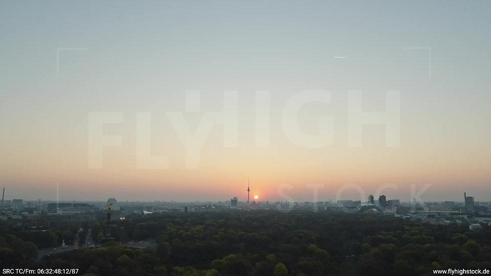 Berlin Tiergarten Skyline Rückflug morgens 7