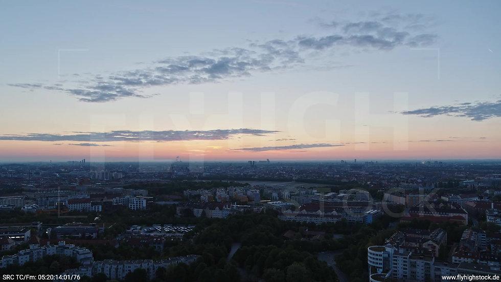 München Westpark Ost Skyline Rückflug morgens 7