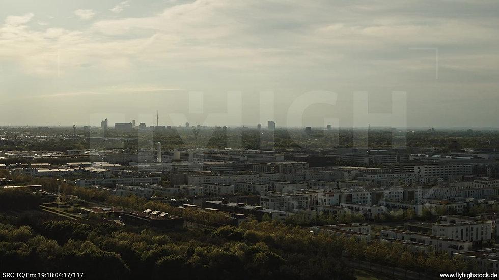 München Riemer Park Stadtteil-Shot Trudering-Riem Rückflug abends