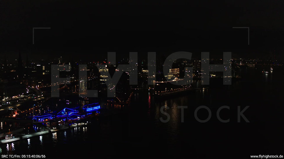 Hamburg Hafen Zuflug Elbphilharmonie nachts