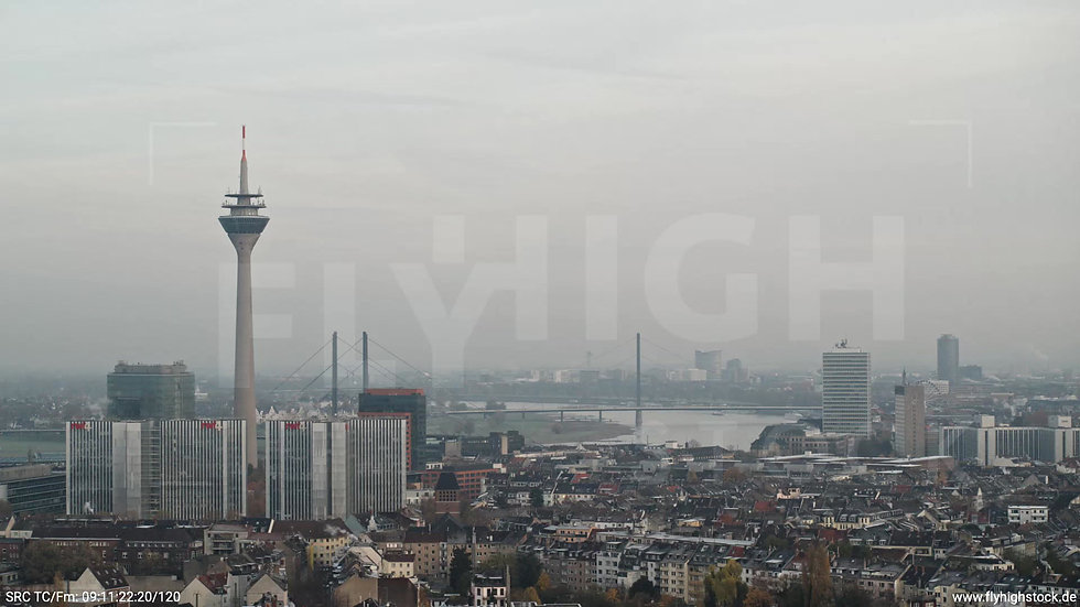 Düsseldorf Sternwartpark Skyline Parallelflug tagsüber F005_C014