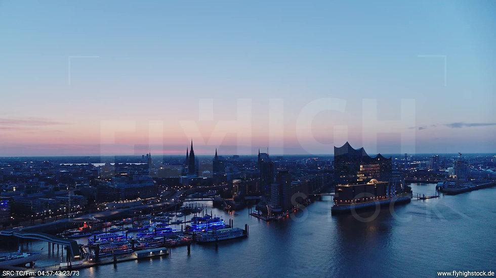 Hamburg Hafen Elbphilharmonie Zuflug morgens 3
