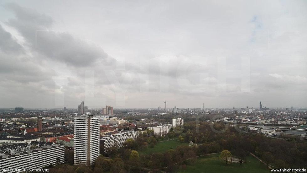 Köln Vorgebirgspark Skyline Zuflug tagsüber