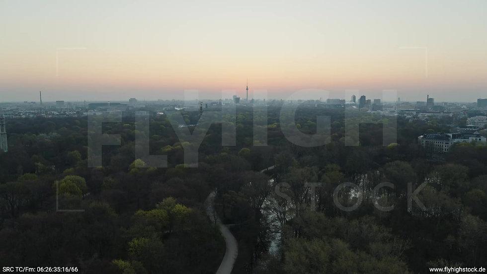 Berlin Tiergarten Skyline Zuflug morgens 6