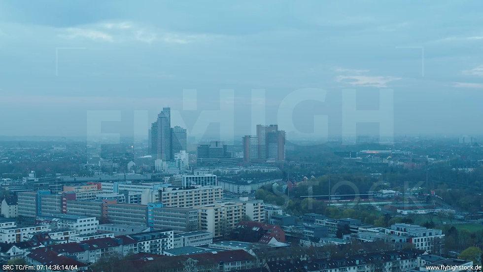 Köln Vorgebirgspark Justiz Skyline Rückflug morgens
