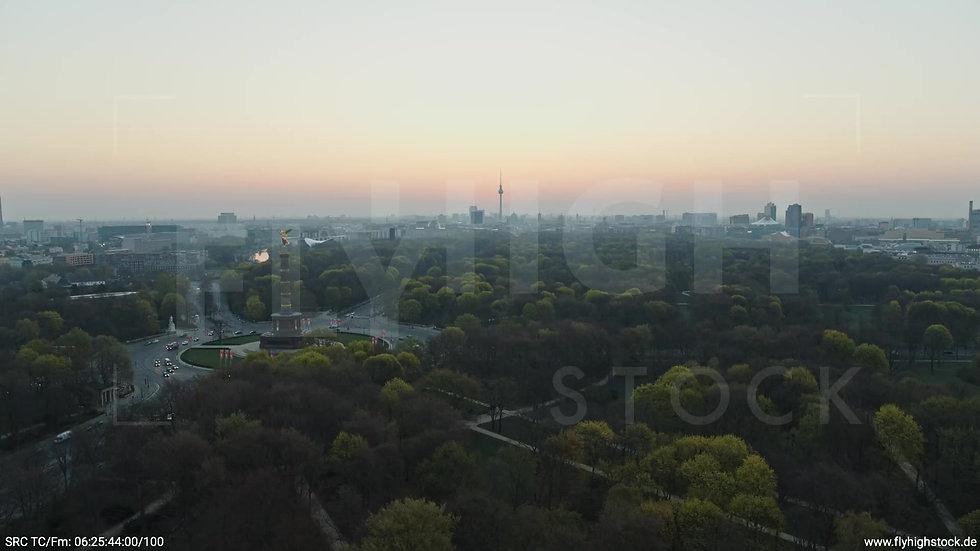 Berlin Tiergarten Skyline Rückflug morgens 5