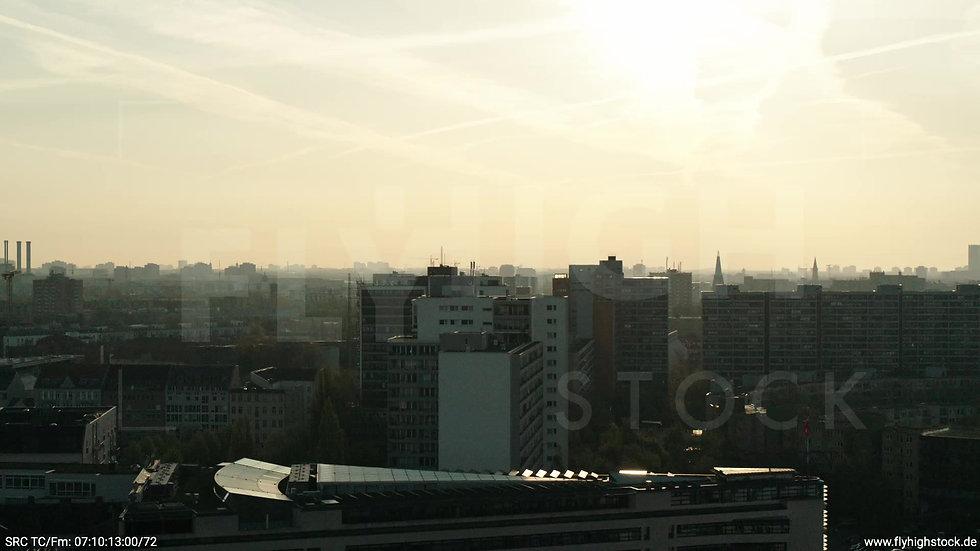 Berlin Hallesches Ufer Skyline Parallelflug morgens 5