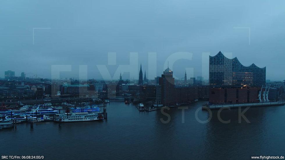 Hamburg Hafen Parallelflug Skyline morgens bewölkt Winter 4