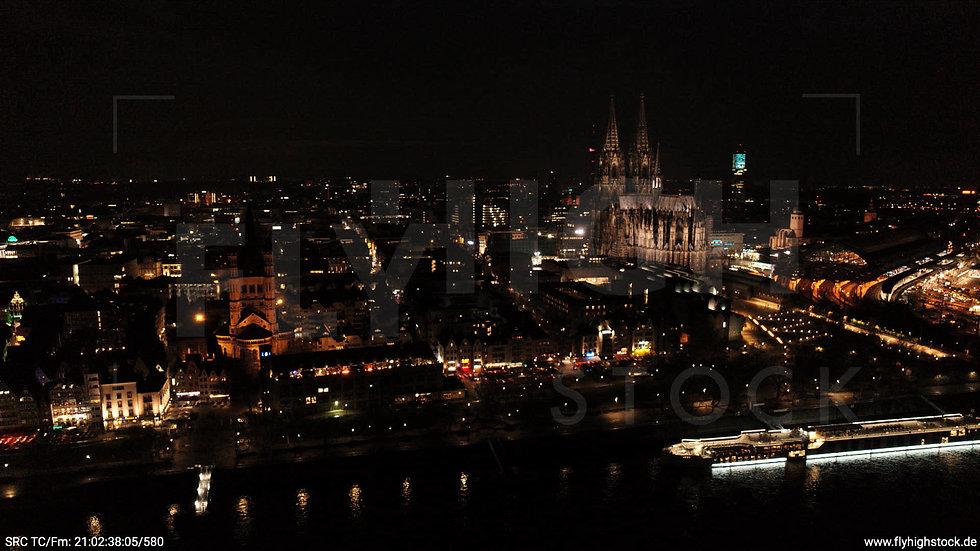 Köln Kennedy-Ufer Skyline Hub abends