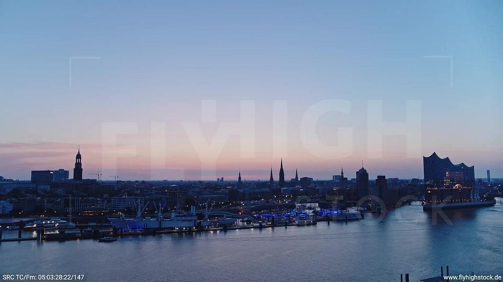 Hamburg Hafen Skyline Zuflug nach oben morgens