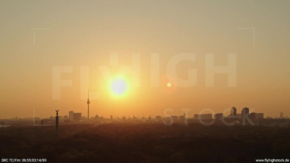 Berlin Tiergarten Skyline Parallelflug morgens 8