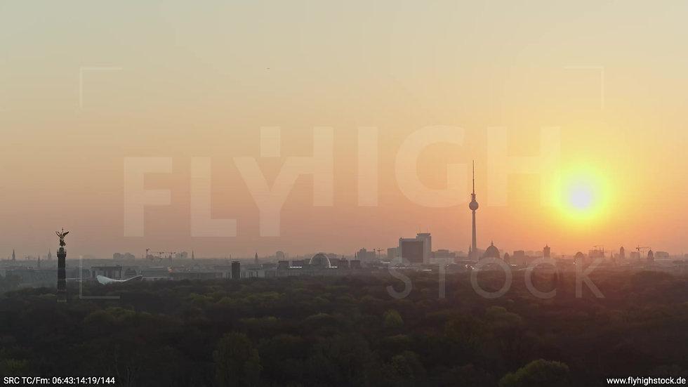 Berlin Tiergarten Skyline Parallelflug morgens 4