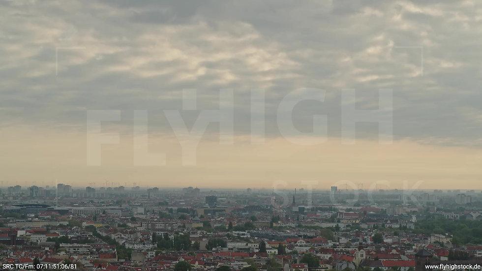 Berlin Hasenheide Skyline Rückflug morgens 12