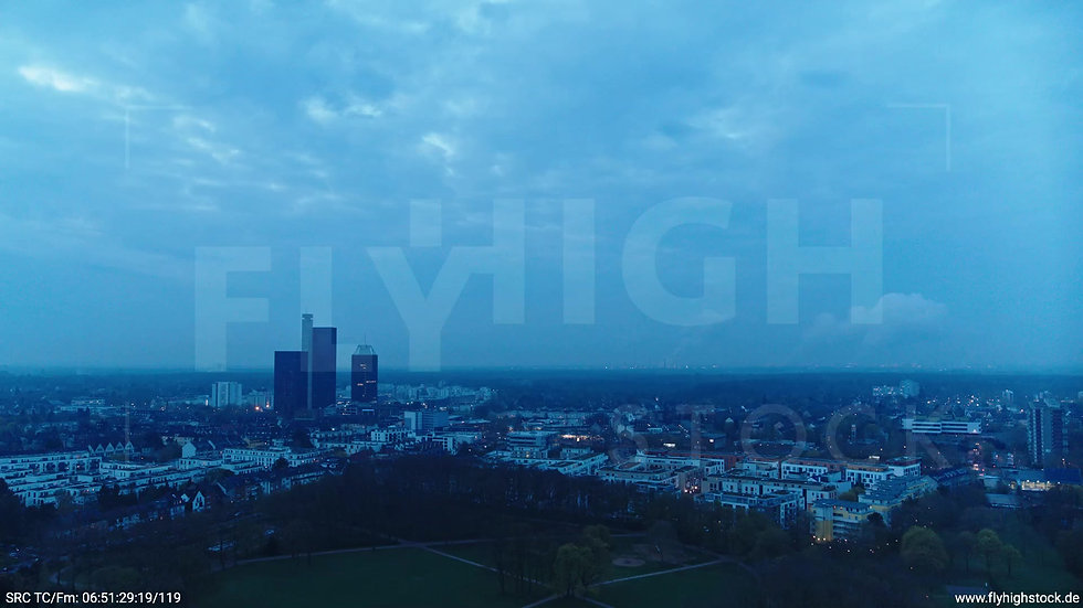 Köln Vorgebirgspark Funkhaus Skyline Zuflug morgens 2