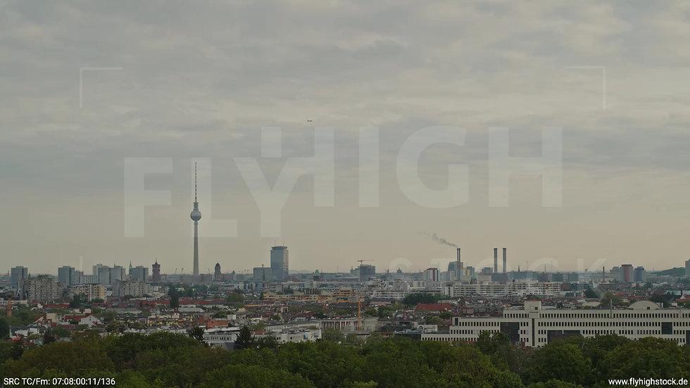 Berlin Hasenheide Skyline Rückflug morgens 11