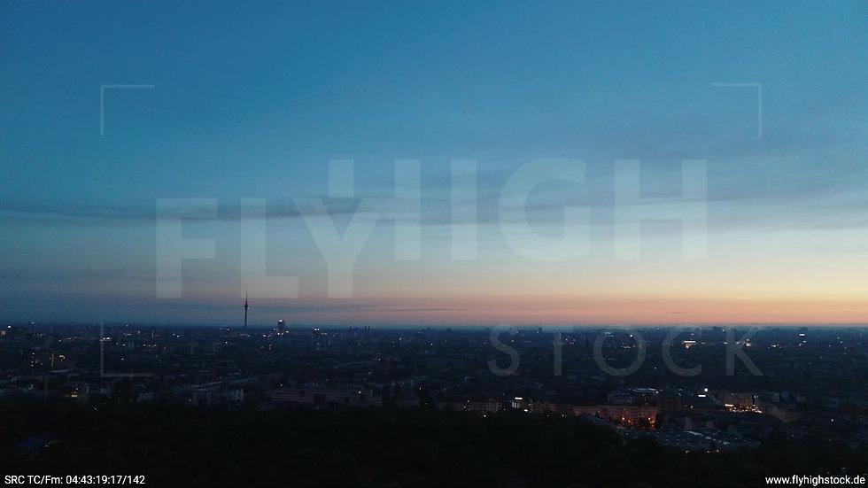 Berlin Hasenheide Skyline Zuflug morgens