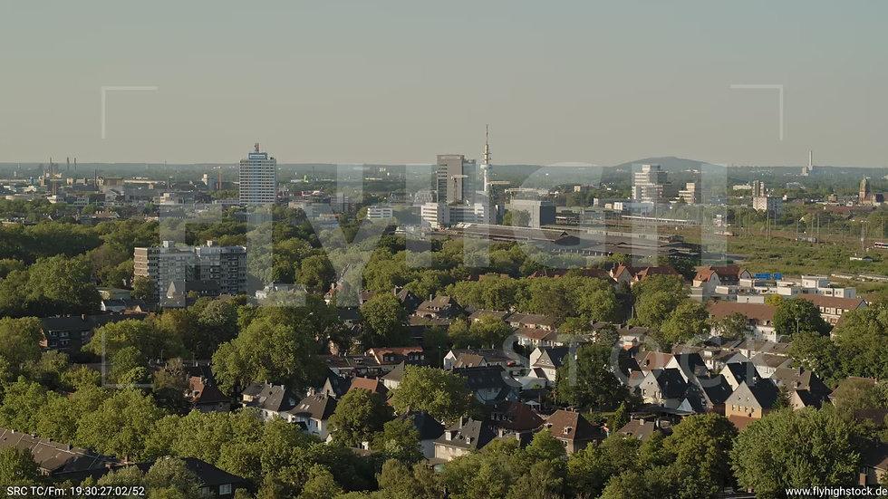 Duisburg Akkurt Wasserturm Zuflug nach unten G005_C011