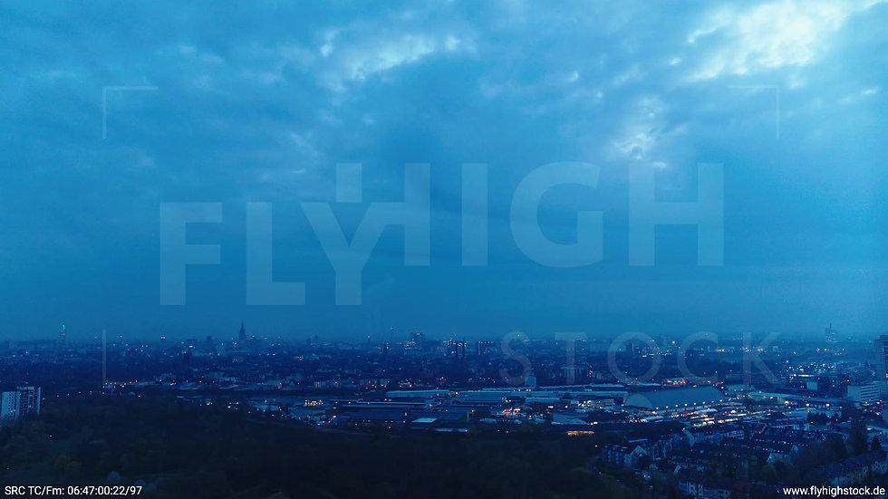 Köln Vorgebirgspark Skyline Zuflug morgens 5