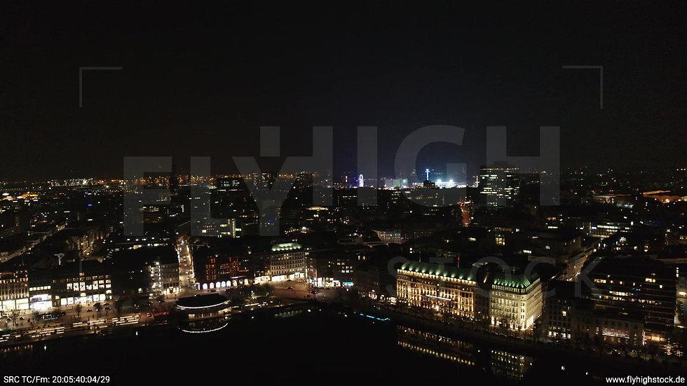 Hamburg Innenalster Zuflug Skyline nachts