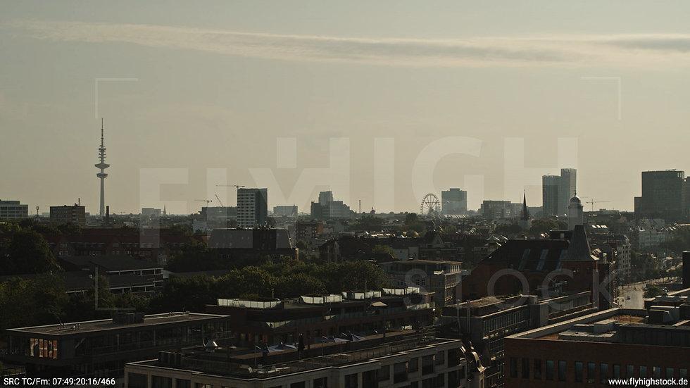 Hamburg Altonaer Holzhafen Skyline Hub morgens 4