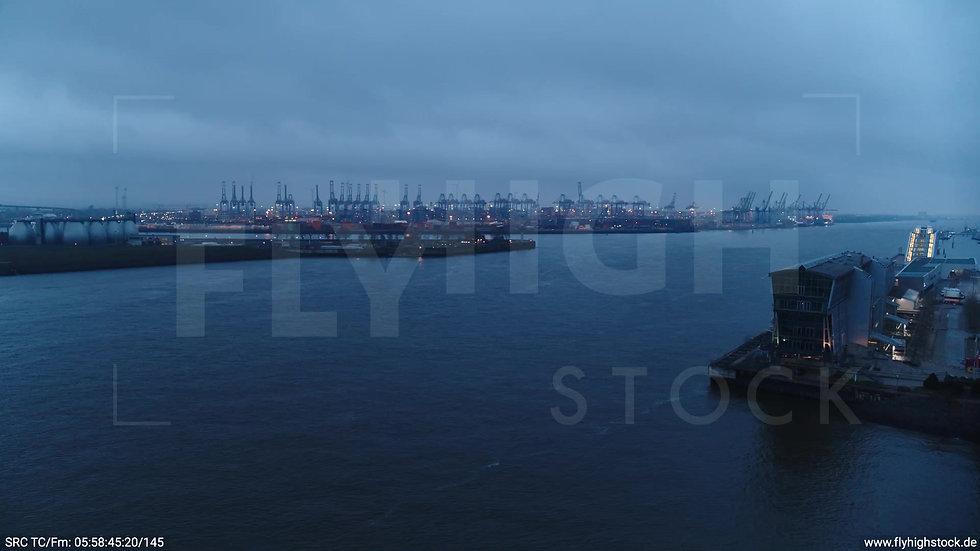 Hamburg Hafen Zuflug Kohlenschiffhafen morgens