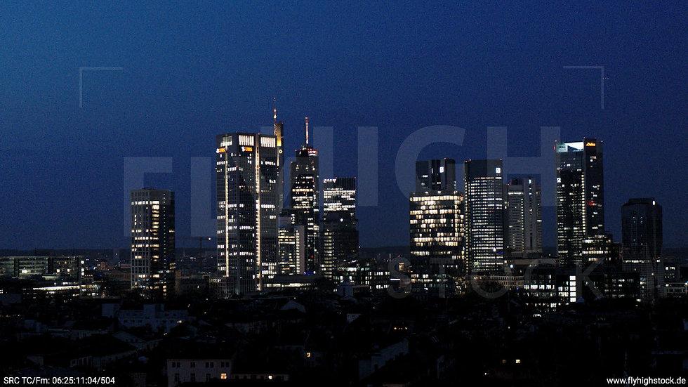 Frankfurt Grüneburgpark Hub Skyline morgens 2