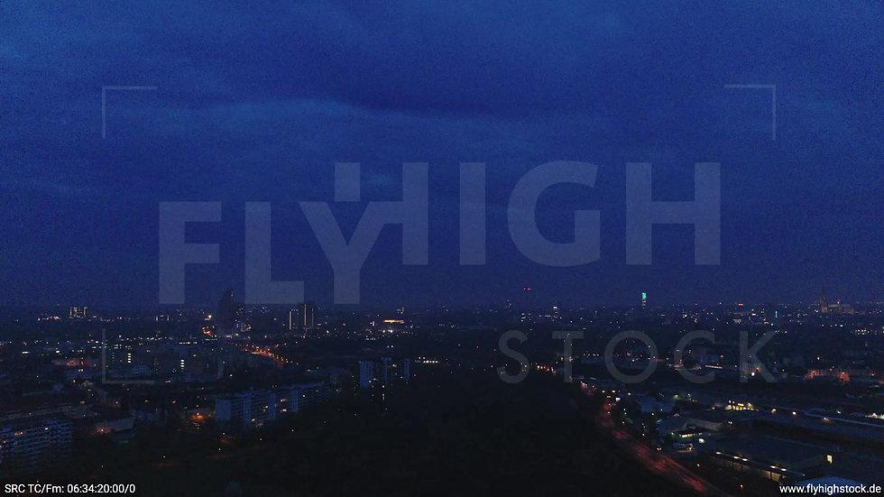 Köln Vorgebirgspark Skyline Zuflug morgens 3
