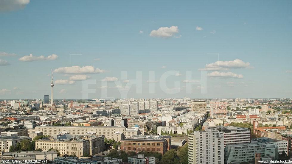 Berlin Potsdamer Platz Ost Skyline Parallelflug tagsüber D032_C012