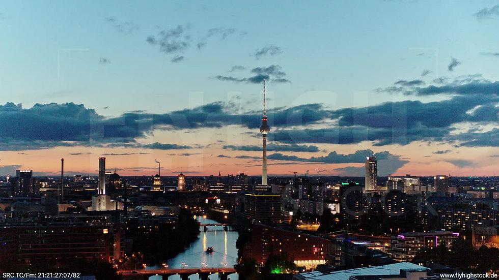 Berlin East Side Gallery Skyline Rückflug abends 5