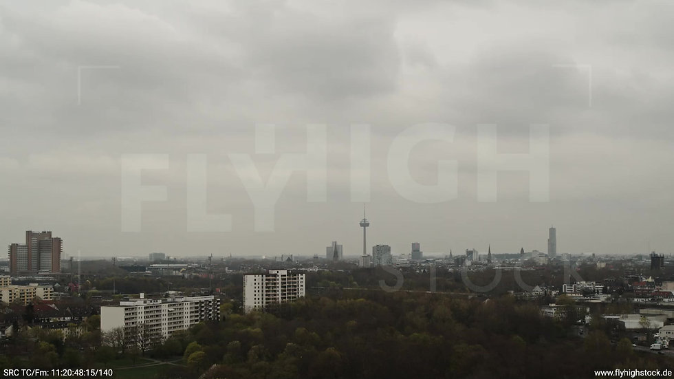 Köln Vorgebirgspark Skyline Zuflug tagsüber 5