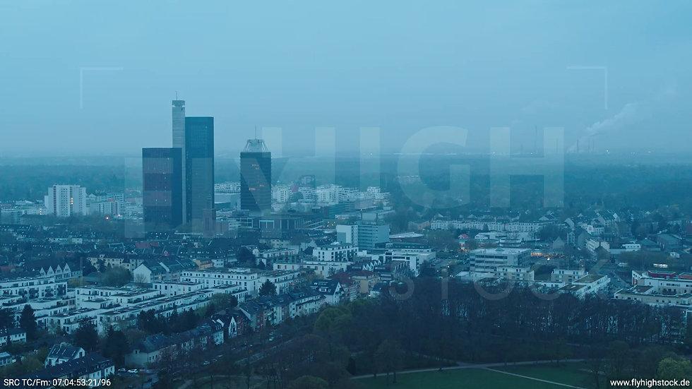 Köln Vorgebirgspark Funkhaus Skyline Zuflug morgens 3