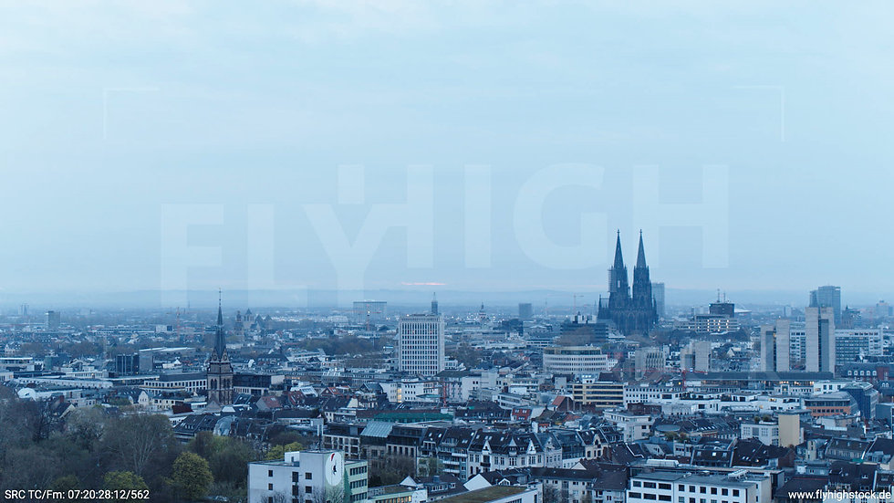 Köln Innerer Grüngürtel Dom Skyline Hub morgens 5
