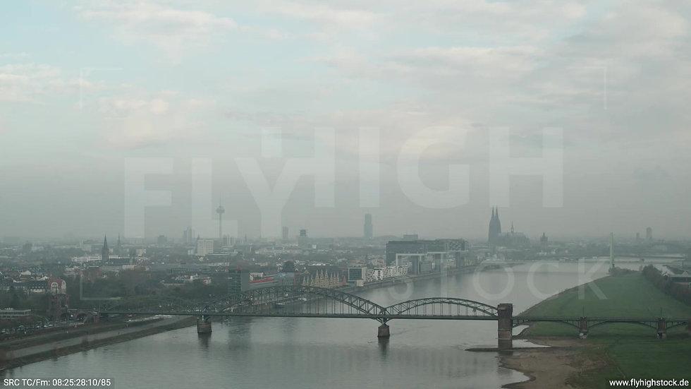 Köln Südbrücke Skyline Zuflug morgens 3