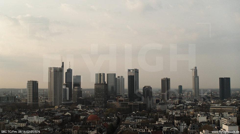 Frankfurt Grüneburgpark Hub Skyline morgens 9