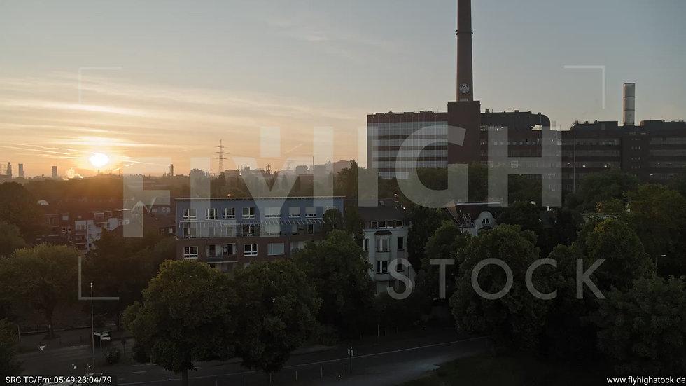 Duisburg Deichstraße Rückflug nach oben G002_C001