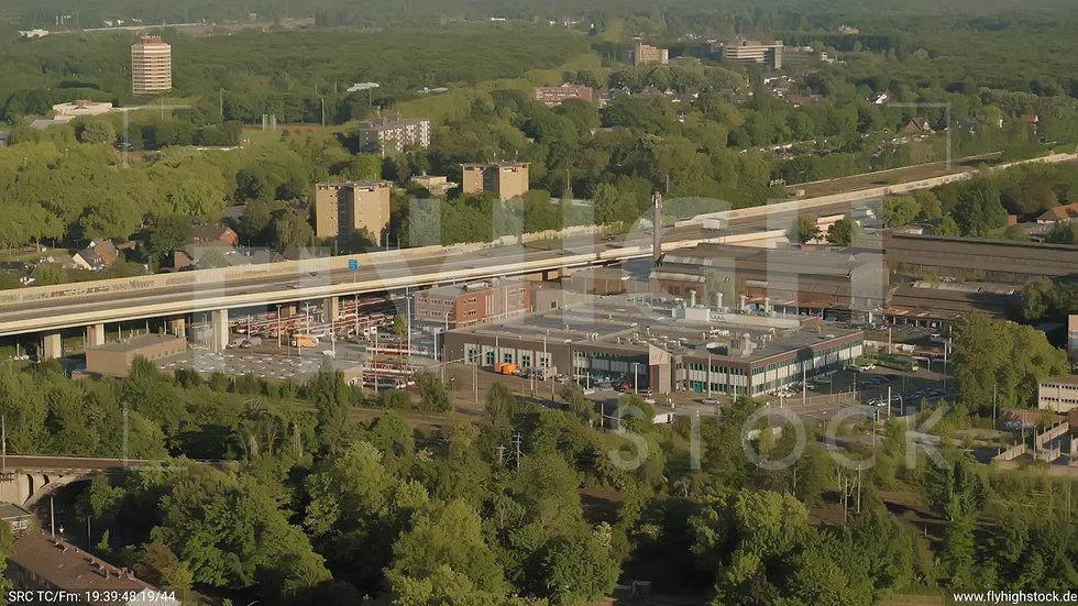 Duisburg Akkurt Wasserturm Zuflug nach unten G005_C020