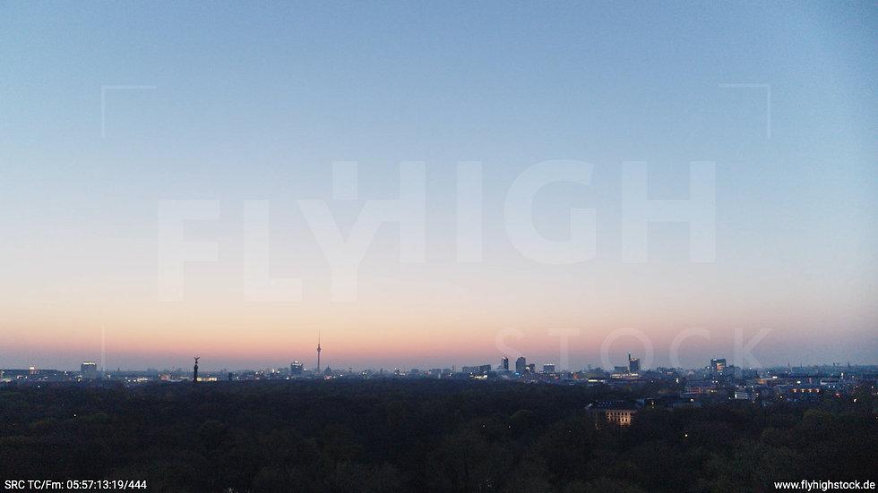 Berlin Tiergarten Skyline Hub morgens 2