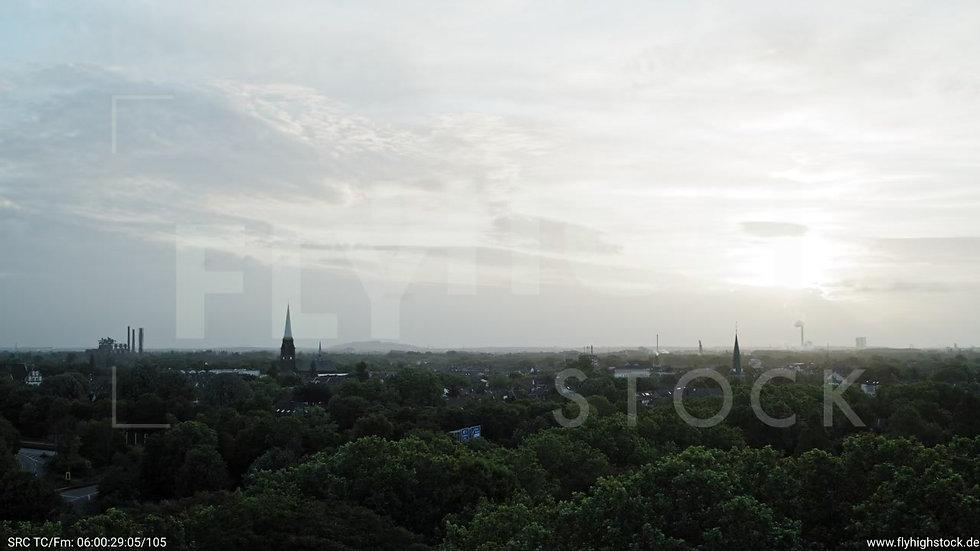 Duisburg Meiderich Stadtpark Parallelflug nach oben G019_C004