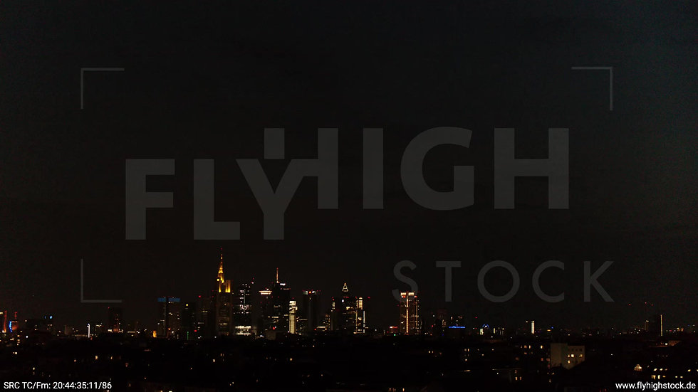 Frankfurt Ostpark Zuflug Skyline nachts