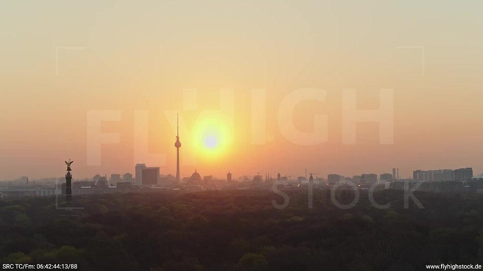 Berlin Tiergarten Skyline Parallelflug morgens 3