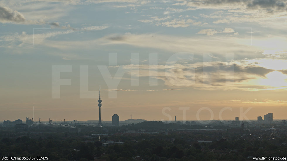 München Hirschgarten Olympiaturm Skyline Hub morgens 4