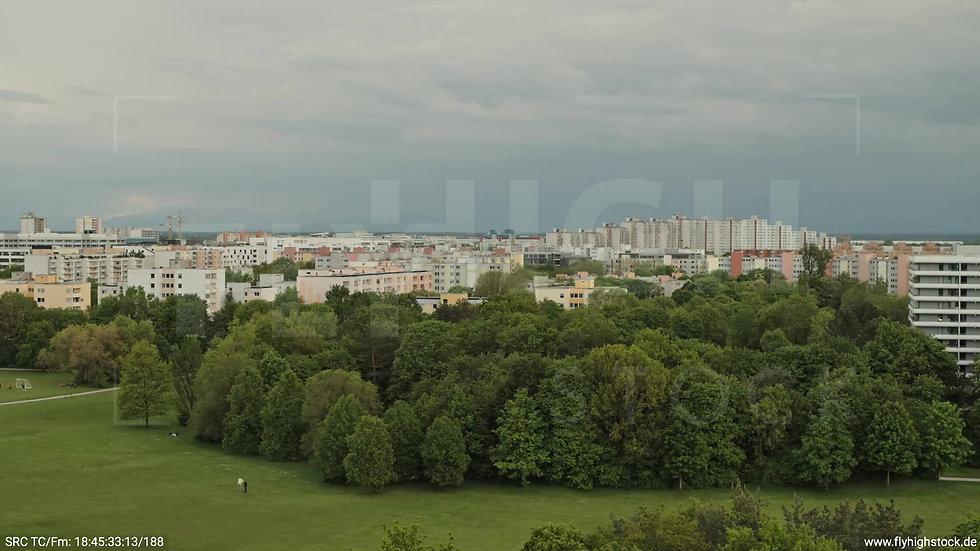 München Ostpark Stadtteil-Shot Zuflug nach oben tagsüber