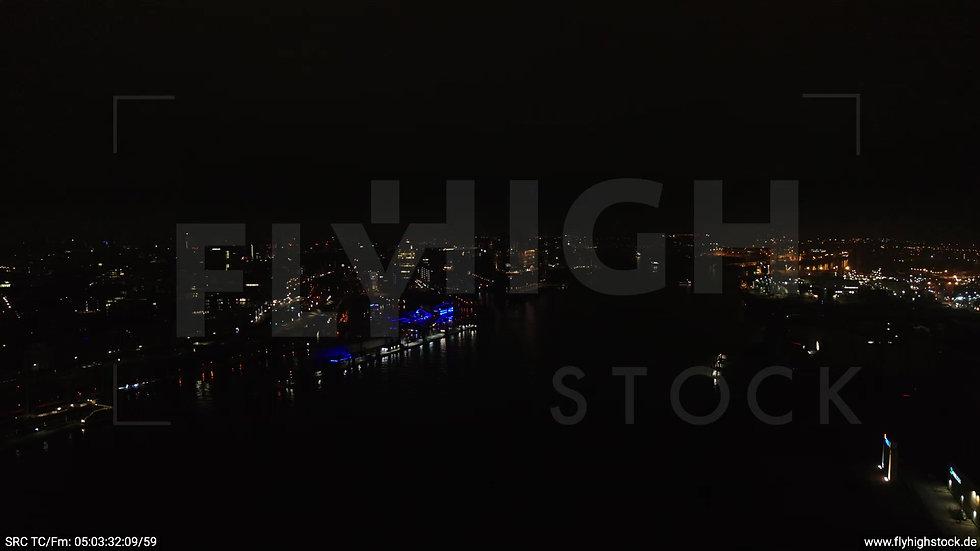 Hamburg Hafen Zuflug Niederhafen nachts