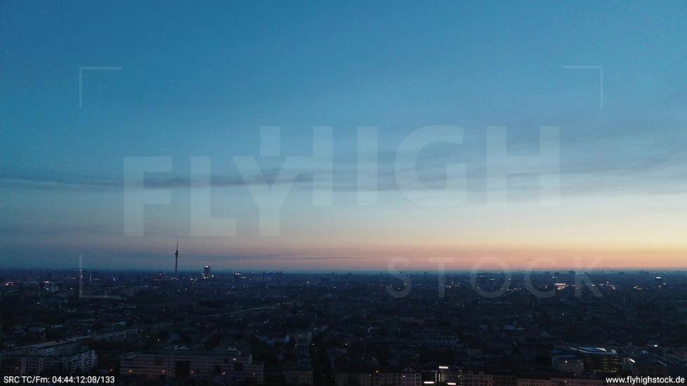 Berlin Hasenheide Skyline Rückflug morgens