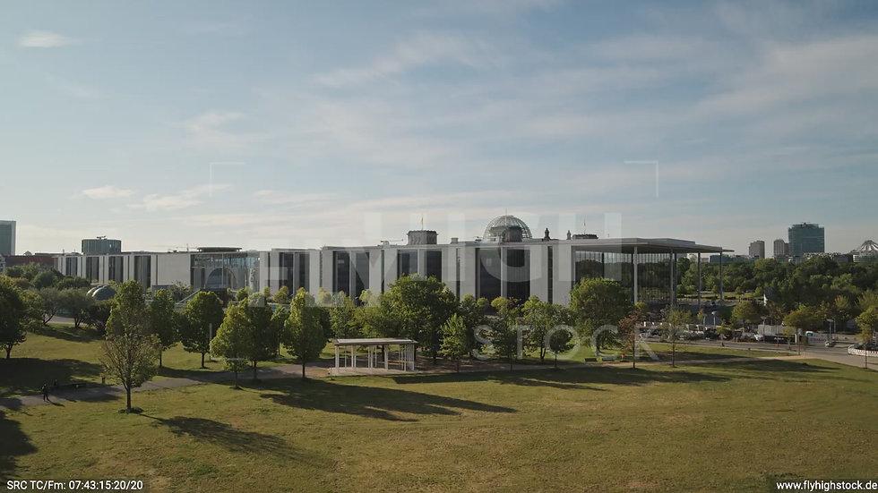Berlin Spreebogenpark Reichstag Hub tagsüber D031_C006