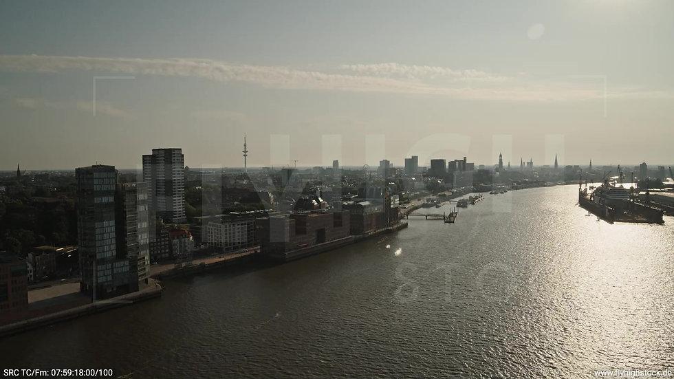Hamburg Altonaer Holzhafen Skyline Zuflug morgens 6