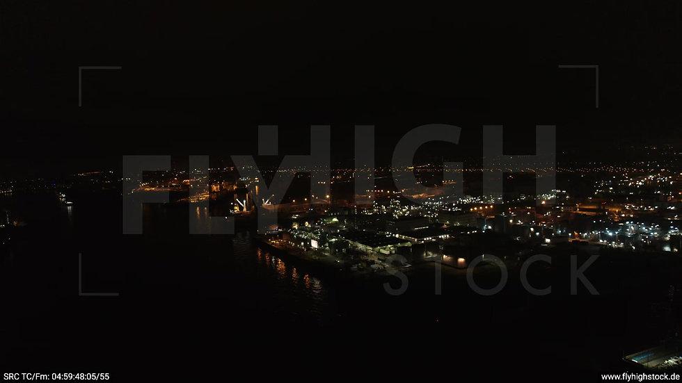 Hamburg Hafen Zuflug Industrie nachts